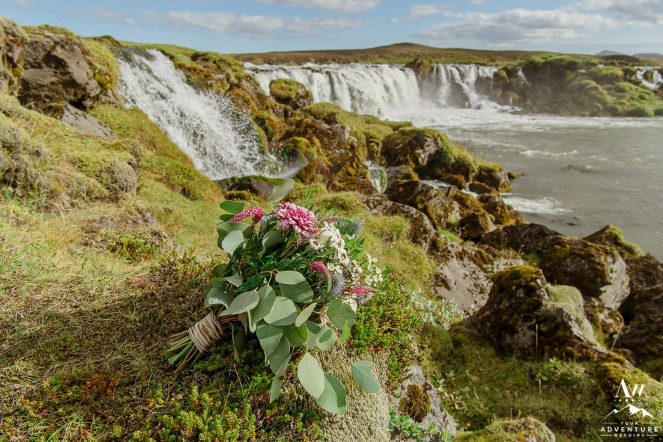 adventure-wedding-photos-in-iceland-73