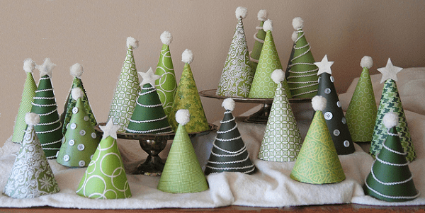 https://i1.wp.com/www.youramazingplaces.com/wp-content/uploads/2013/11/Mini-Christmas-Trees.png?resize=600%2C301