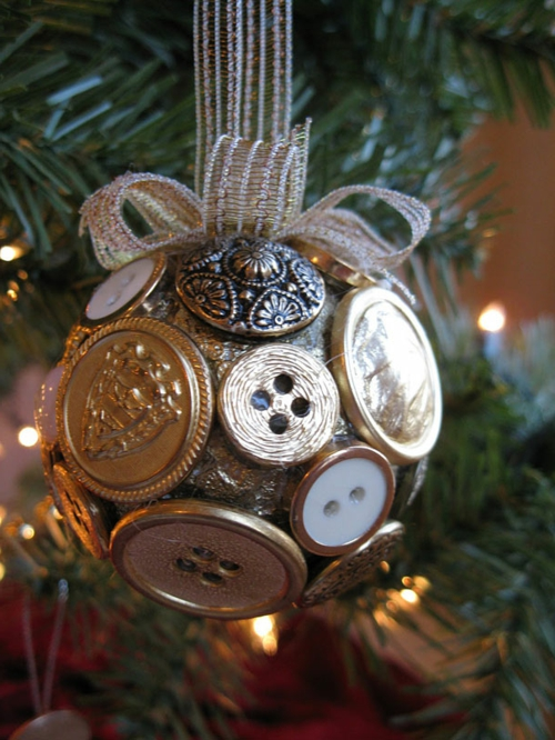 18 Fun And Creative DIY Christmas Ideas For Your Home