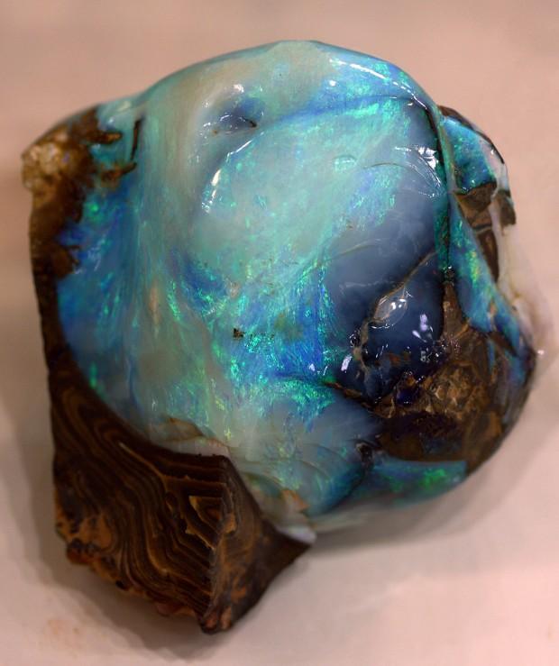 8 Photos Of The Hidden Worlds Inside An Opal