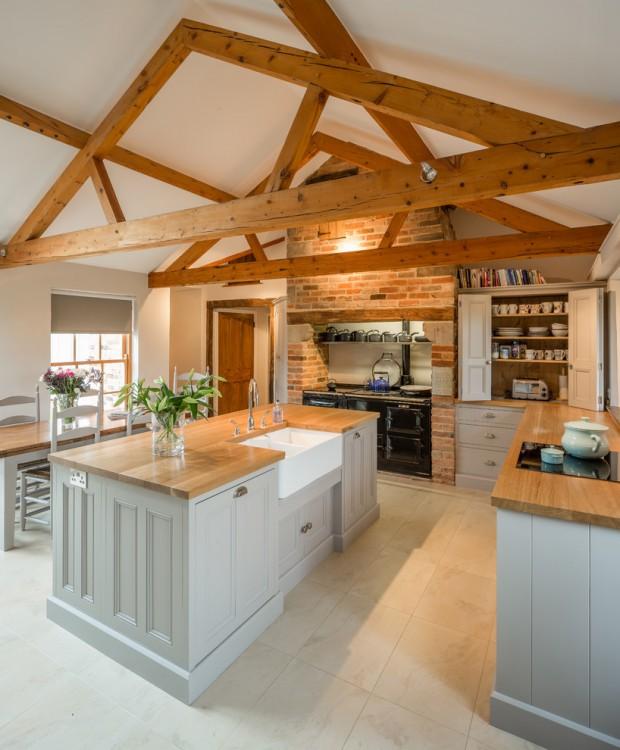 10 Warm Farmhouse Kitchen Designs - YourAmazingPlaces.com