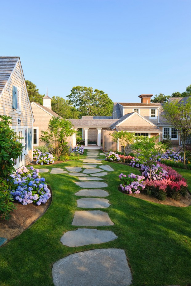 Amazing Landscaping Ideas for Small Budgets ... on Small Landscape Garden Ideas id=85698