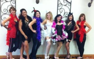 groepsfoto na de burlesque workshop