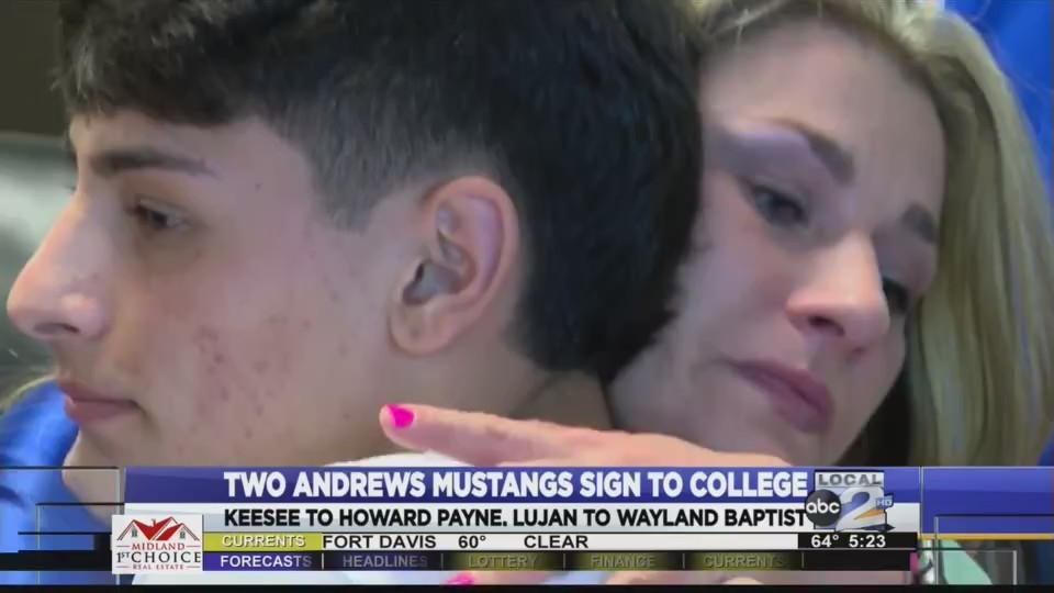 Two_Andrews_Mustangs_Sign_to_College_0_20180302031056