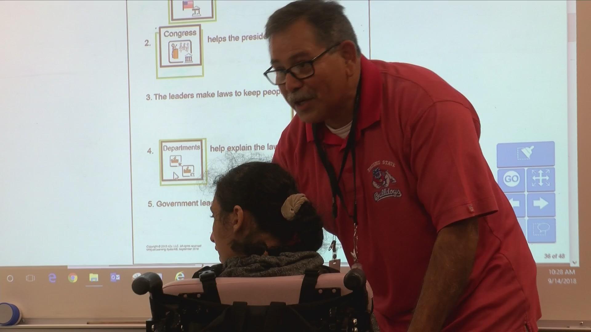 Educator_of_the_Week__Leonard_Ramirez_0_20180920001912
