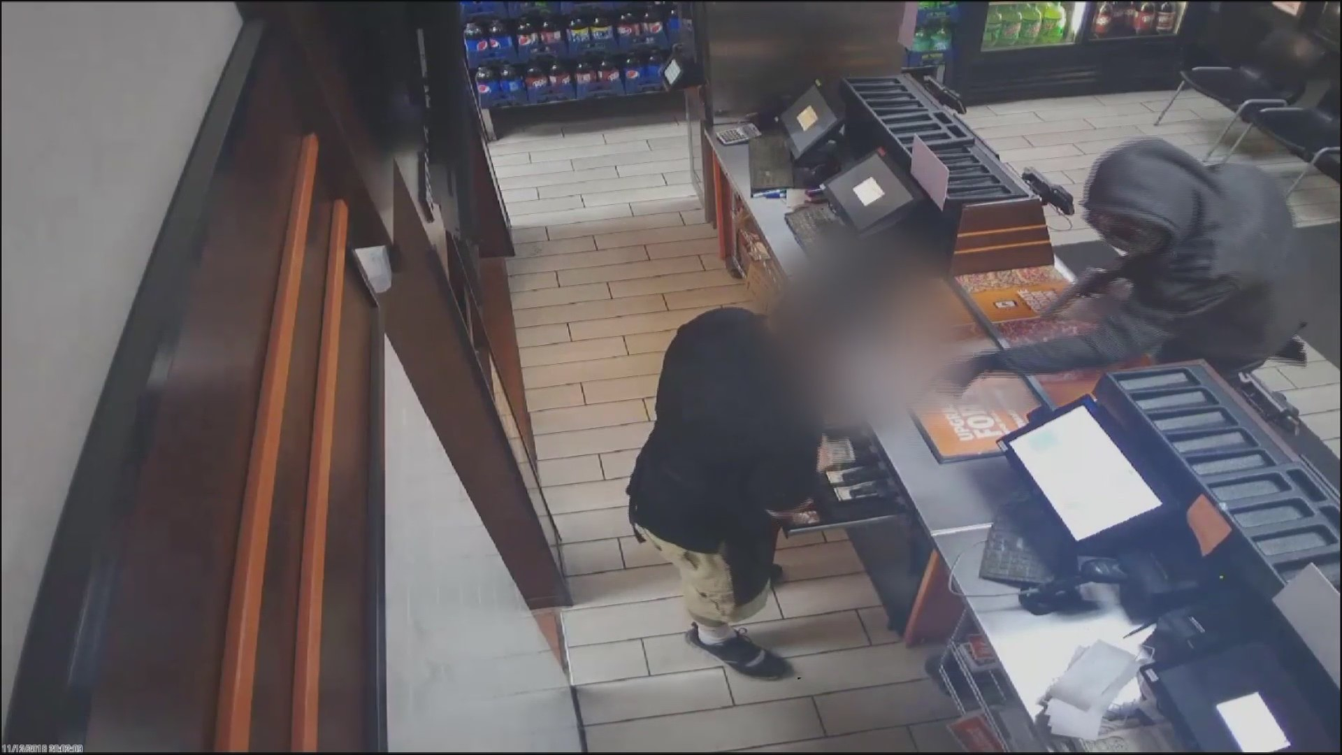 Armed_Robbery_at_Little_Caesars_0_20181116023650