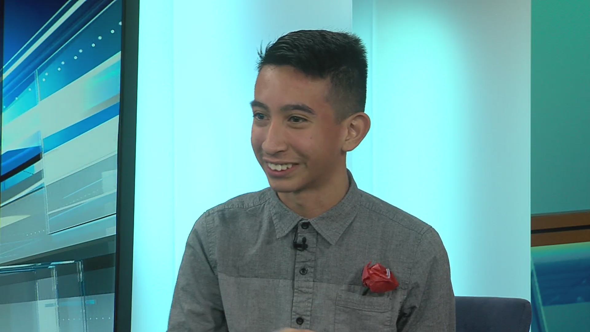 Los Banos teen makes chocolate roses for every girl in school