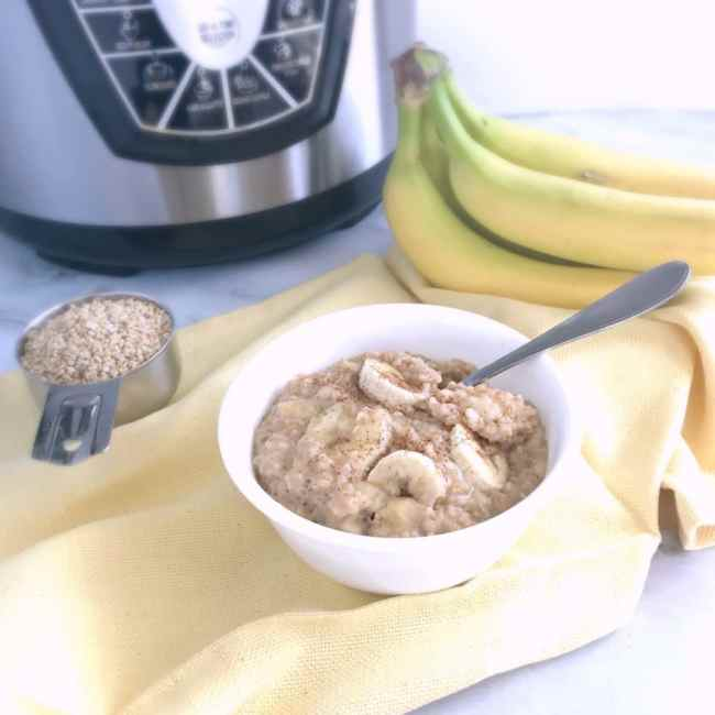 Easy and delicious, this healthy Pressure Cooker Peanut Butter Banana Steel Cut Oats is a hot breakfast the whole family will love! | recipe via www.yourchoicenutrition.com