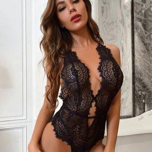 body femme lingerie dentelle noire