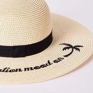 chapeau de plage tendance vacation mood