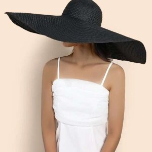chapeau de plage noir tendance plage
