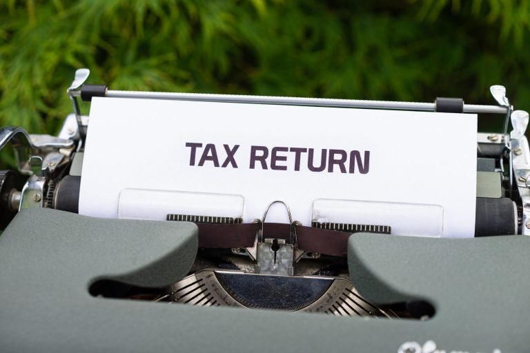 Tax for Self-Employed in Canada: How Much to Set Aside for CPP, EI & Income Tax