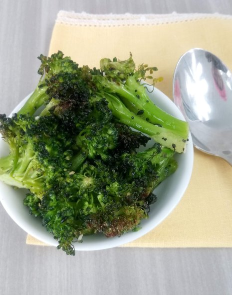healthy oven roasted broccoli