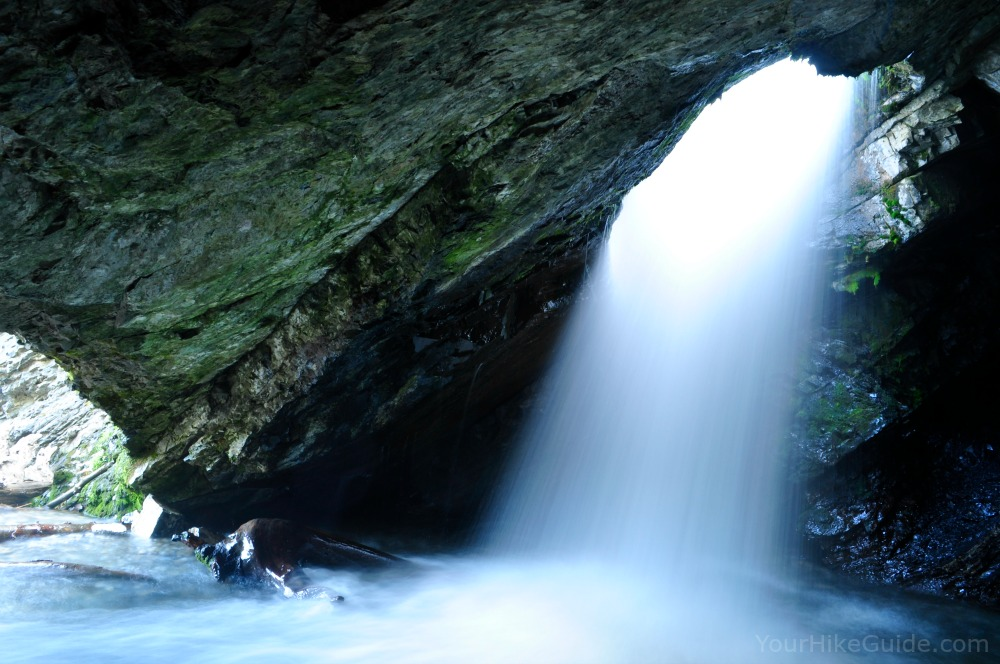 Donut Falls - Your Hike Guide