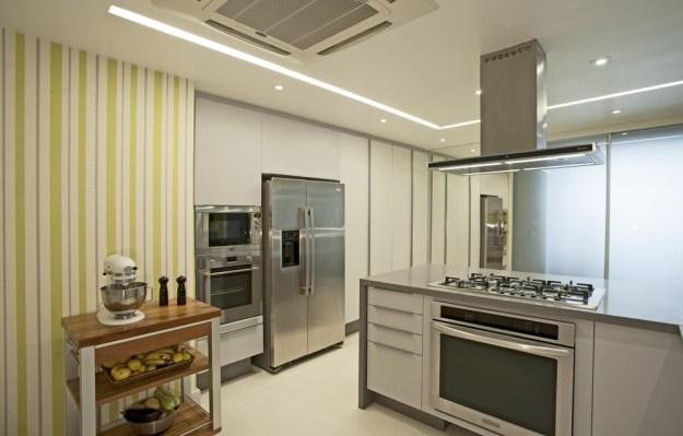 The LRF Apartment designed by Paula Martins Arquitetura 17