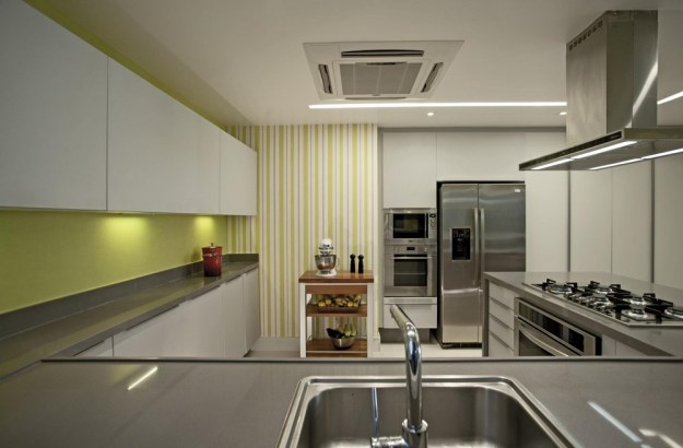The LRF Apartment designed by Paula Martins Arquitetura 18