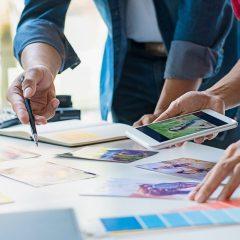 Advertising agency designer creative start-up team discussing id