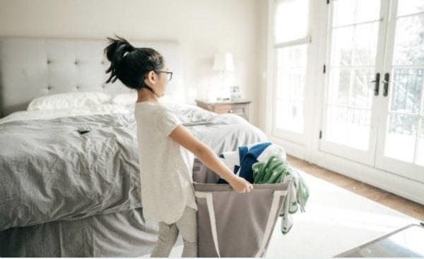 Kid doing chores