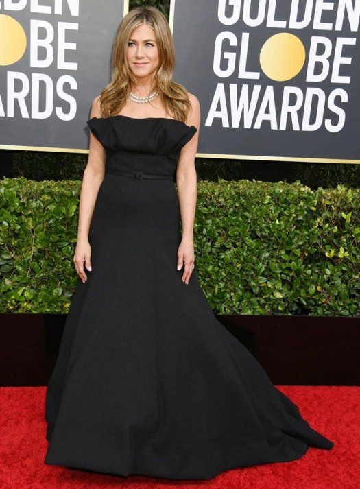 Jennifer Aniston rocked a black Christian Dior Haute Couture strapless gown to the 2020 Golden Globes
