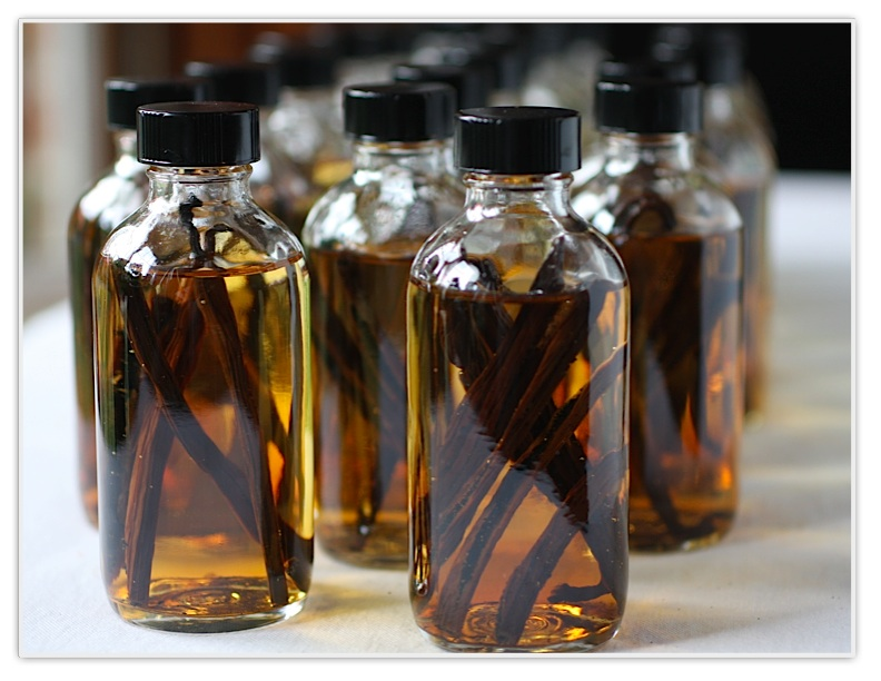 How To Make Your Own Homemade Extracts