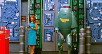 Kathy Griffin and Zingbot host the Veto challenge on Big Brother 16 episode 25