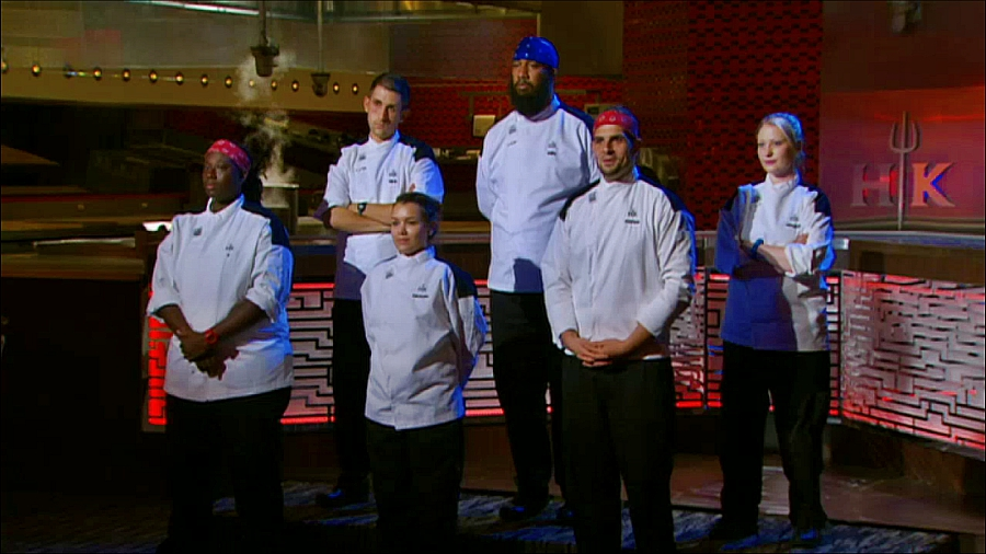 Hell 39 s kitchen 14 eps 12 13 recap your reality recaps for Hell s kitchen season 12 episode 1