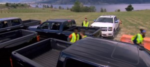 Teams duke it out trying to free their trucks on Amazing Race Canada 3