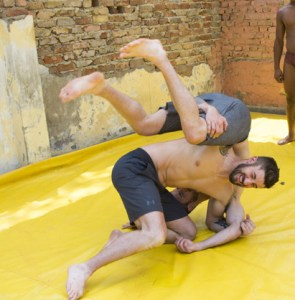 Gino Montani and Jesse Montani wrestle on Amazing Race Canada 3
