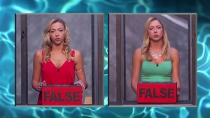 Liz beats her sister Julia and becomes #HOH #BB17