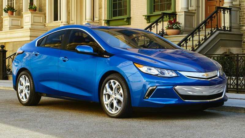 Chevrolet Volt Advertisement Claims Toyota Prius and Nissan Leaf are Unreliable