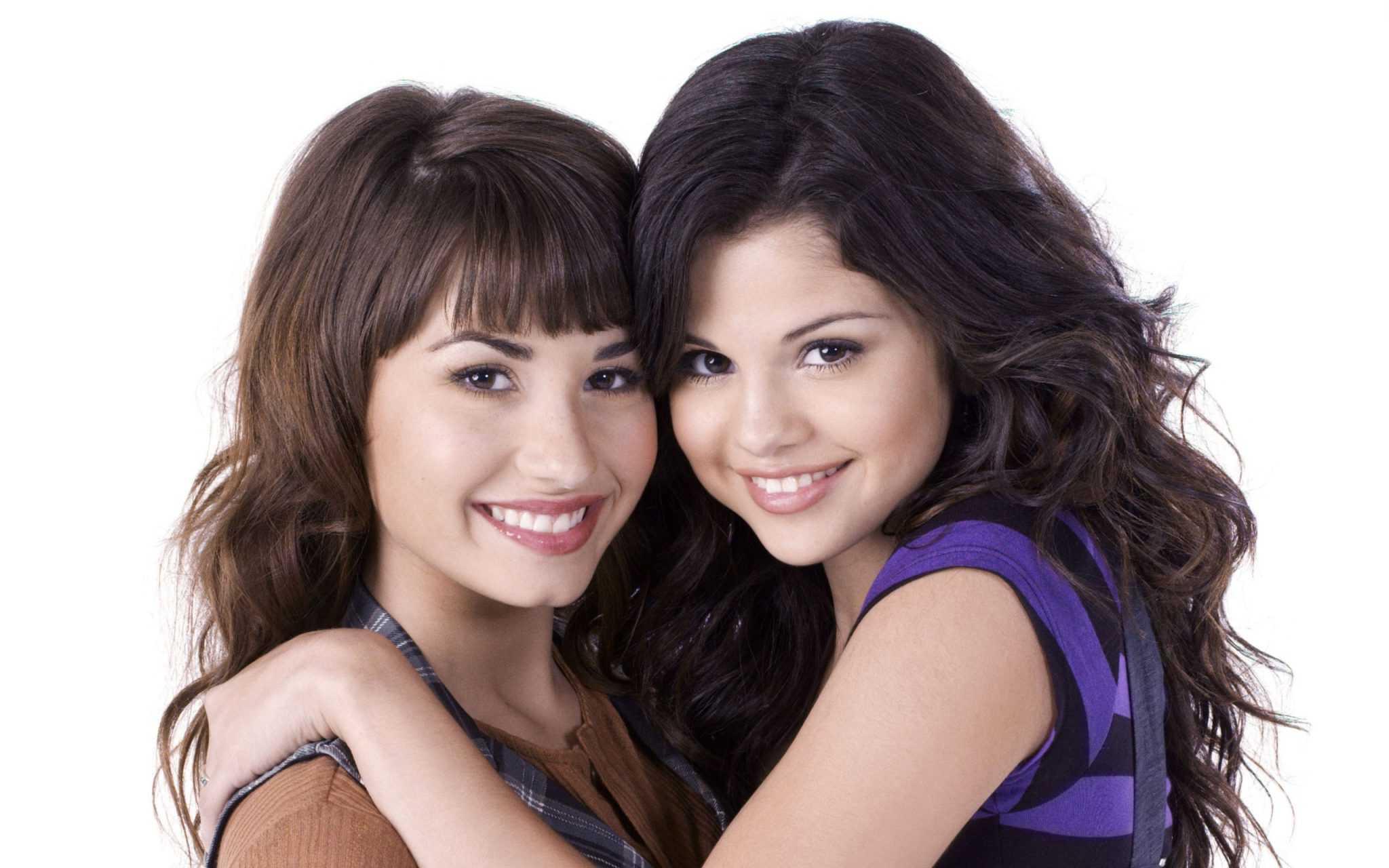 Selena Gomez's Birthday Wishes for Ex-Bff Demi Lovato Wins Fans' Hearts