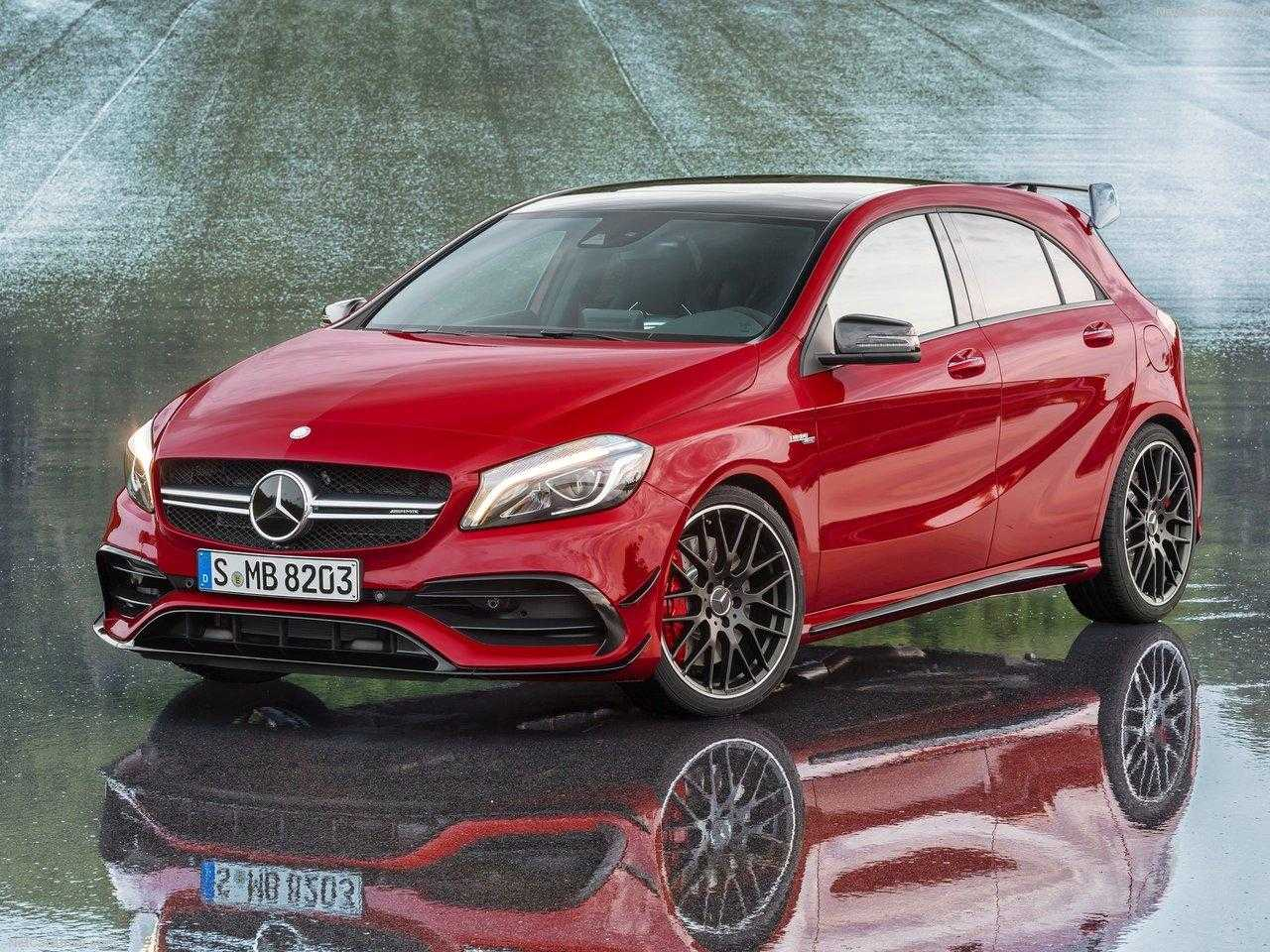 Mercedes Benz Readies a Compact A-Class to Beat Beetle and Golf