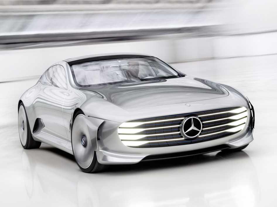 Mercedes Benz Concept IAA is a Car that Redefines the Term 'Futuristic'