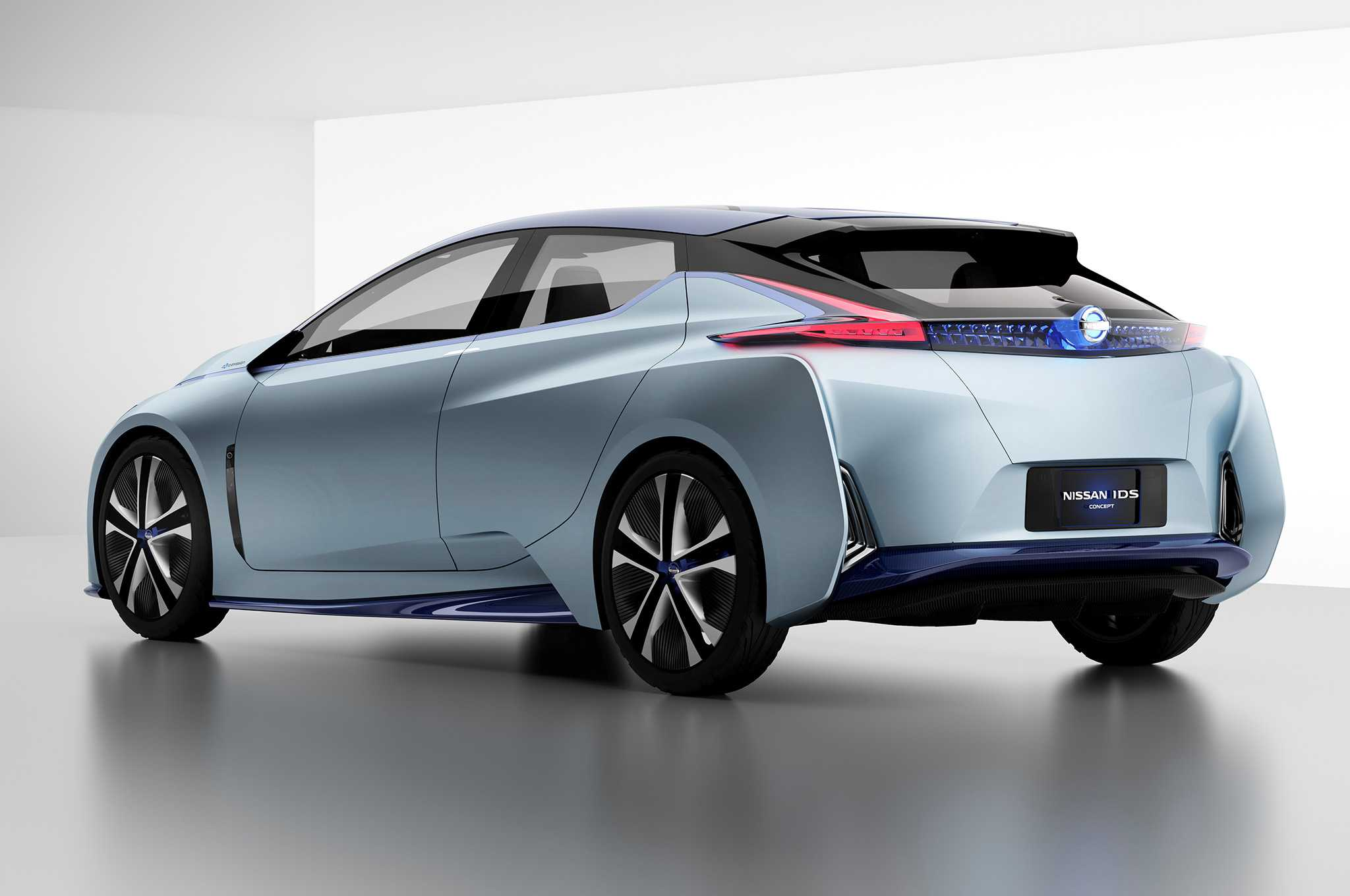 Nissan Promises Wireless Charging Tech Reveal at Geneva Show
