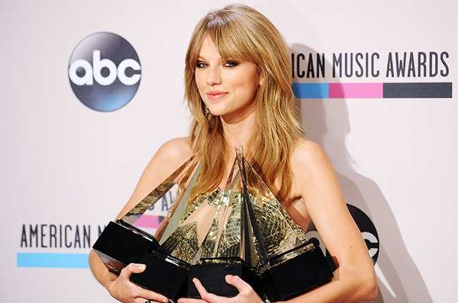 American Music Awards: Taylor Swift Wins Six Nominations; Enrique Iglesias Could Get his Seventh