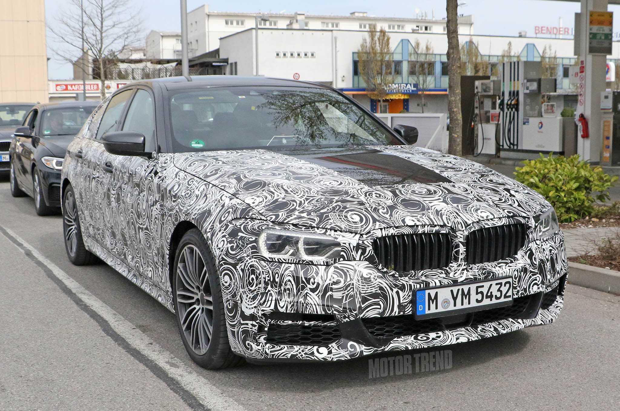 2017 BMW 5 Series Upgraded with Semi-Autonomous Tech