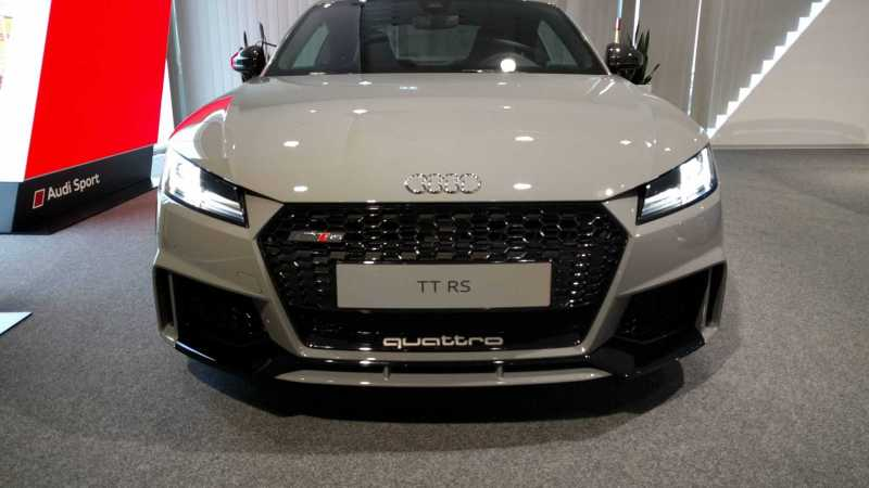 2018 Audi TT-RS Nardo Grey