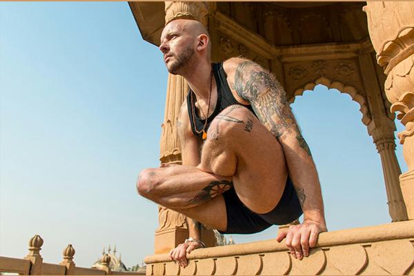 Хатха-йога с Кириллом Радонским