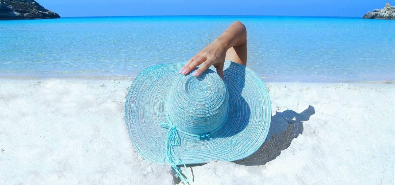 outfit estate cappello di paglia
