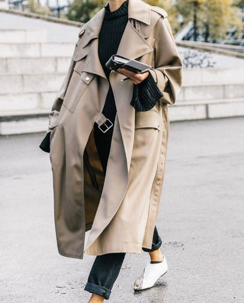 trench maschile oversize, visto su Pinterest