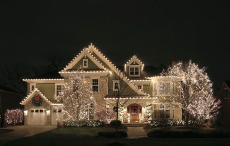 holiday-lighting-tips-for-safety-and-style
