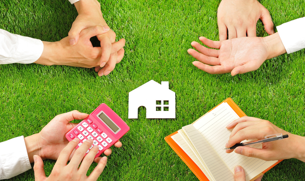 How much equity can you extract with a reverse mortgage? This calculator will tell you