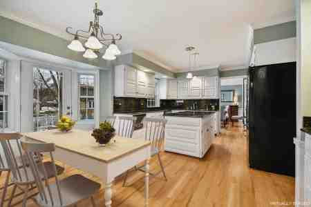 VHT_stagedtosell_kitchen_aftervs