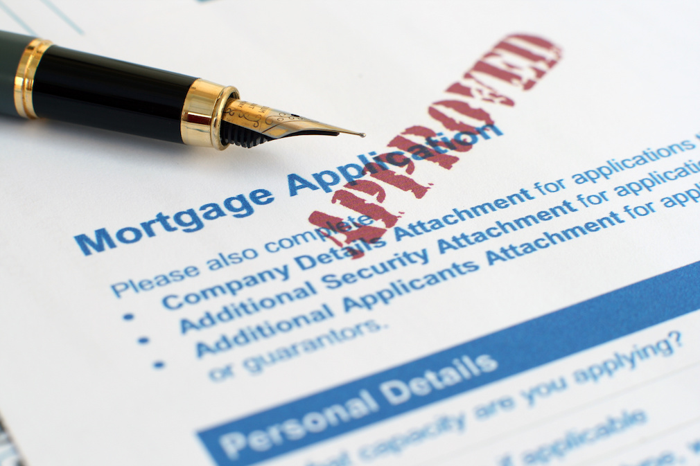 Mortgage prepays surge to 6-year high, Black Knight says
