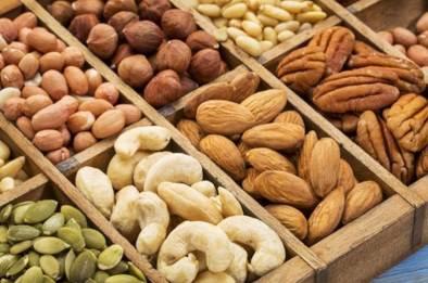 nøtter er jo så bra for helsen vår , kanskje det beste kostholdet for vår helse da