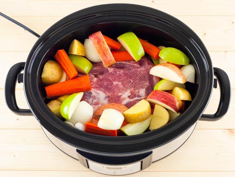 Slowcooker Pork Loin and Roasted Vegetables | YouShouldCraft.com