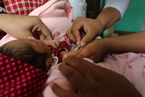 Should the Federal Government Require Children to be Vaccinated for Preventable Diseases?