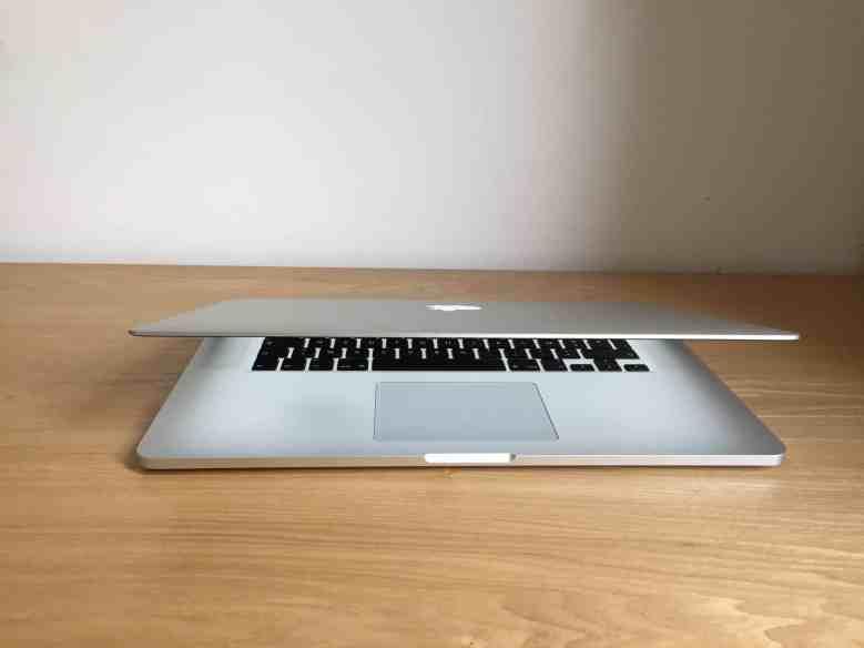 Difference macbook pro macbook pro retina00016