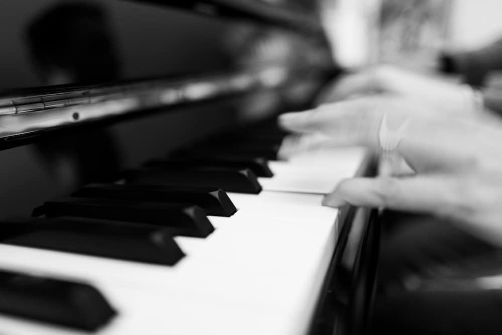 Apprendre le Piano: La gamme de FA mineur blues