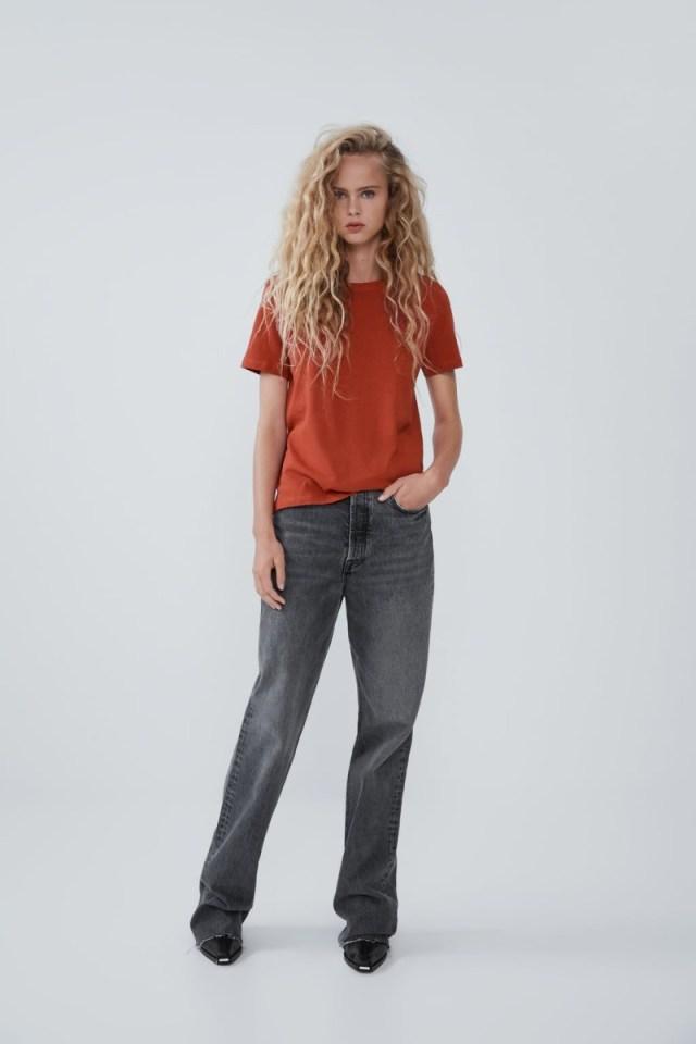 Zara - προσφορά σοκ: Έχουν αγοράσει όλες οι γυναίκες αυτά τα top! Τα πήραν κάτω από 5,00 ευρώ!